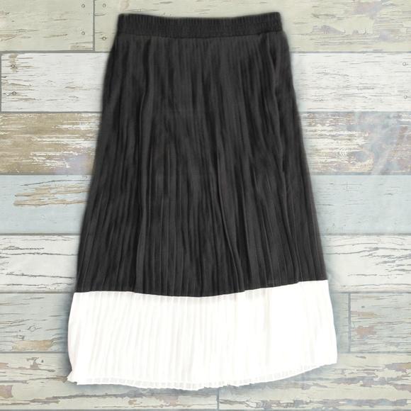 ddc370412e Worthington Skirts | Black White Accordion Pleat Maxi Skirt | Poshmark
